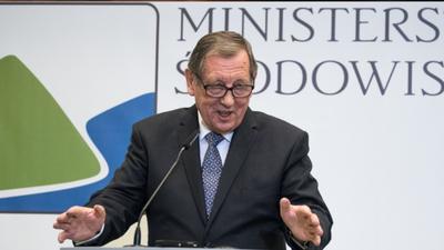 Depopulacja i odstrzał dzików to nie sposób na ASF? Minister środowiska Jan Szyszko twierdzi, że afrykański pomór świń jest nie do zatrzymania w Polsce