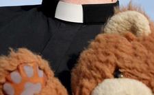 zakonnik molestował uczennice