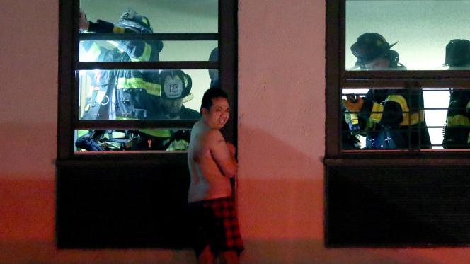 Randy Phothisane wypadł z okna mieszkania na ósmym piętrze.