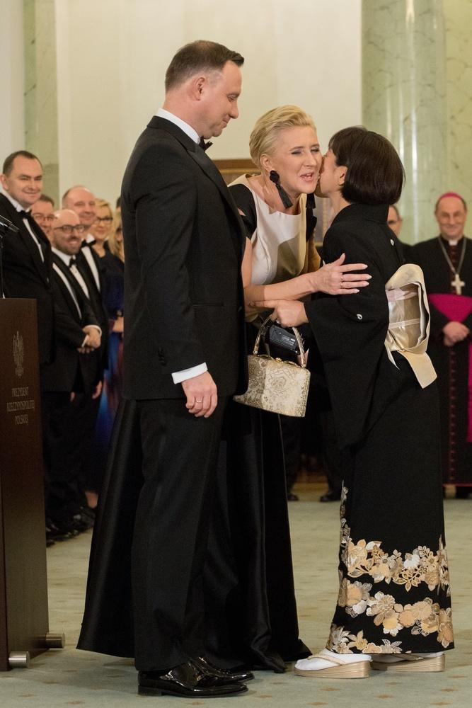 Andrzej Duda w sutannie? To zdjęcia podbija sieć