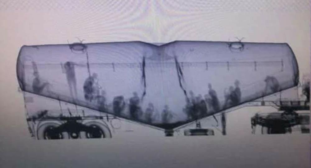 betoniarka z imigrantami