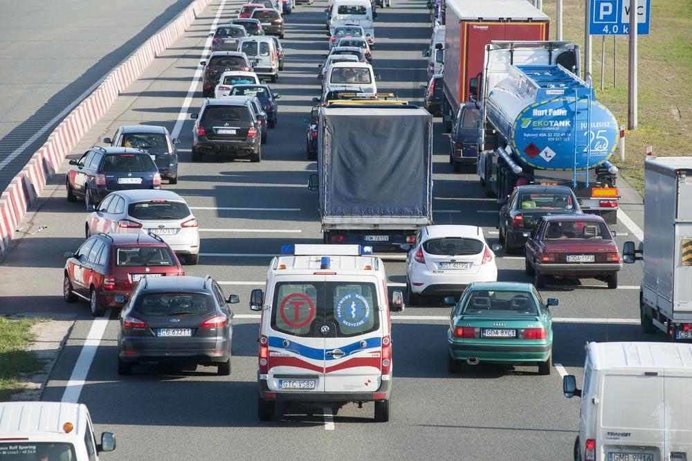 karetka korytarz życia przepisy drogowe