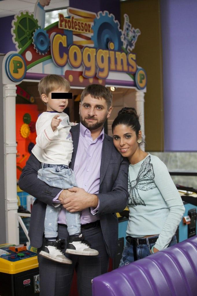 Olga z synkiem i mężem