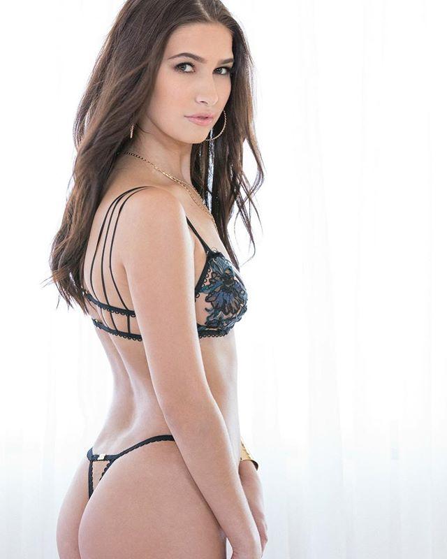 Olivia Nova aktorka z filmów porno