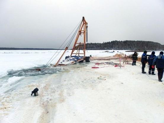Próbowali wydobyć zatopioną cysternę na Syberii