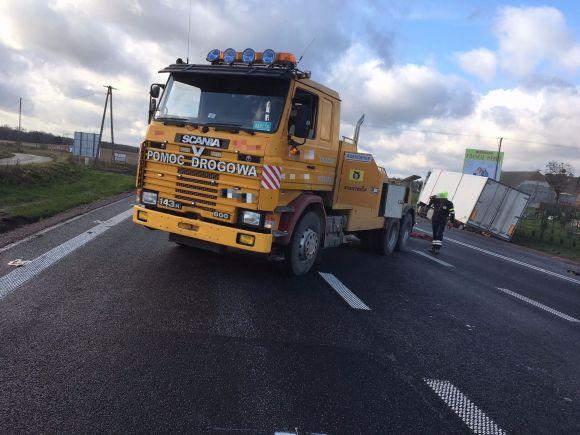 Wypadek i holowanie ciężarówki