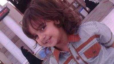 """Arabia Saudyjska, islam i ścięcie głowy dziecku. Była to egzekucja za """"zły odłam islamu"""". Szyicka mniejszość jest dyskryminowana i mordowana od lat."""