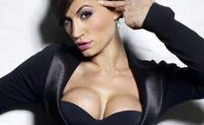 Argentyna. Natacha Jaitt (Bog Brother, modelka) miała dowody na to, że gang pedofilów (dziennikarze, politycy) gwałcił dzieci. Przyczyna śmierci niejasna