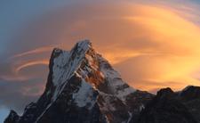 Topnienie lodowców w Himalajach i nadchdozaca katastrofa ekologiczna. Ocieplenie klimatu doprowadzi do tragedii. Rzeki w Azji stracą źrodła, będą powodzie