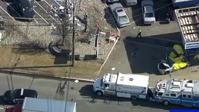 USA i koszmarny wypadek samochodowy w Wayne w stanie New Jersey. Są ofiary śmiertelne: Jon Warbeck, Luke Warbeck oraz Lovedeep Fatra. Jason Vanderee przeżył