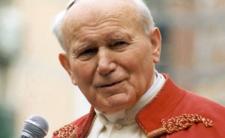 Bezpieka kontra papież - szukali haków, ale Polak był dla nich za mocny