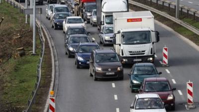 Jazda na suwak rzadko stosowana jest na drogach