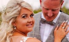 Jej tata zmarł. Znalazła makabryczny sposób, aby był na ślubie