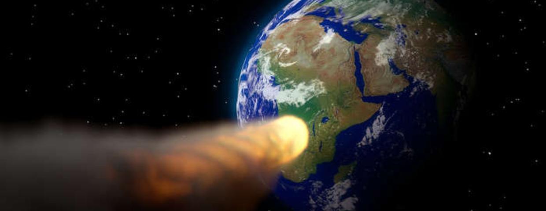 asteroida uderzy w ziemię