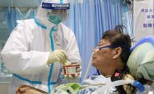 Koronawirus daje nowe objawy - szokujące informacje o chorobie i epidemii