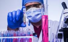Koronawirus to broń biologiczna? Nowe badania naukowe