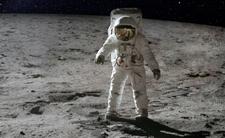 Naukowcy zrezygnują z lotów w kosmos?