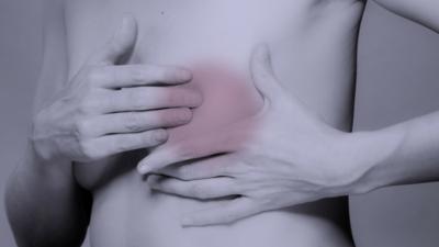 Powiększone piersi i opuchlizna węzłów chłonnych po szczepieniu na COVID-19. Medycy mówią o mylących skutkach ubocznych szczepionki