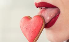 Seks oralny prowadzi do śmierci. Lekarze ostrzegają: powoduje raka