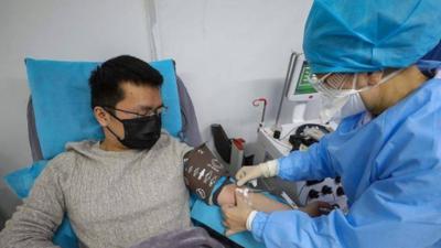 Koronawirus stworsony przez człowieka? Nowe informacje
