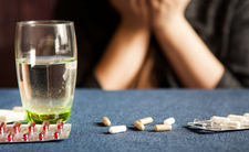 Tabletki odchudzające ugotowały ją od środka. 21-latka zmarła w mękach