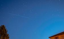 Dziwne zjawisko na niebie. Kosmiczny pociąg nad Polską