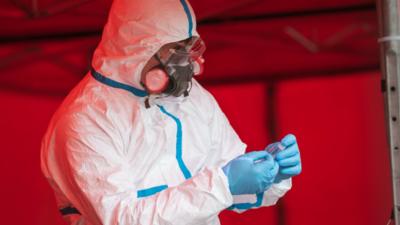 Koronawirus nie z Wuhan? Naukowcu ujawniają źródło pandemii