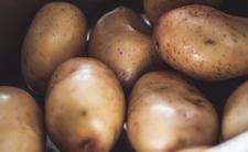 Wylewasz wodę z ziemniaków? Popełniasz wielki błąd