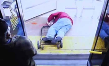 Czaroskóra kobieta zabiła staruszka po kłótni w autobusie