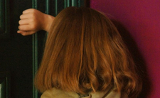 Babcia wymierzyła karę 2-latce. Dziecku grozi amputacja stóp