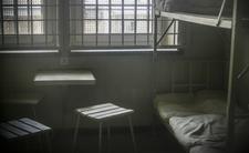 Brutalnie zgwałcił 4-latkę. Współwięźniowie urządzili mu piekło