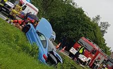 Pijany kierowca BMW wjechał w przystanek. 5 osób rannych
