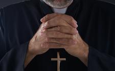 Ksiądz uwiódł 15-latkę