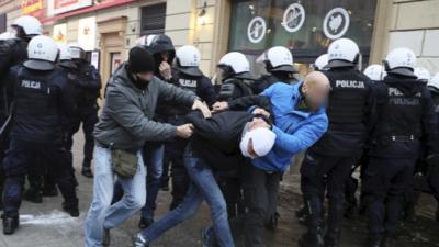 Zamieszki w czasie Marszu Niepodległości w Warszawie