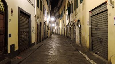 Martwa Polka znaleziona na ulicy Włoch. Ksiądz zauważył ciało