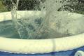Nie żyje 2,5-letnia dziewczynka. Utopiła się w dmuchanym basenie