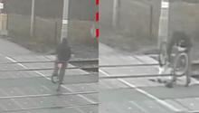 Pijany rowerzysta i przejazd kolejowy. Naprawiał rower na torach [WIDEO]