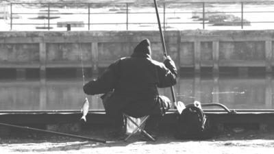 Pojechali na ryby, nie przeżył nawet pies