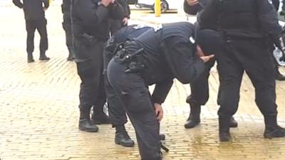 Policjanci oberwali rykoszetem