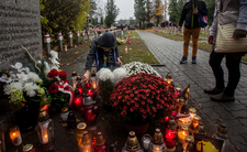 Paskudny czyn na cmentarzu, tuż przed Świętem Zmarłych