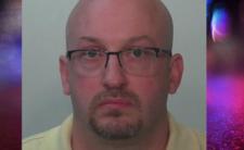 Pedofil gwałcił adoptowane dzieci - kary więzienia nie będzie