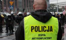"""Terror we Wrocławiu. Biegł z nożami na ludzi, krzyczał """"Allahu Akbar"""""""
