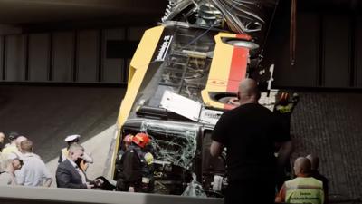 Wypadek autobusu w Warszawie i kierowca pod wpływem narkotyków