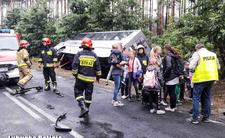 Wypadek szkolnego autobusu. W środku 45 dzieci