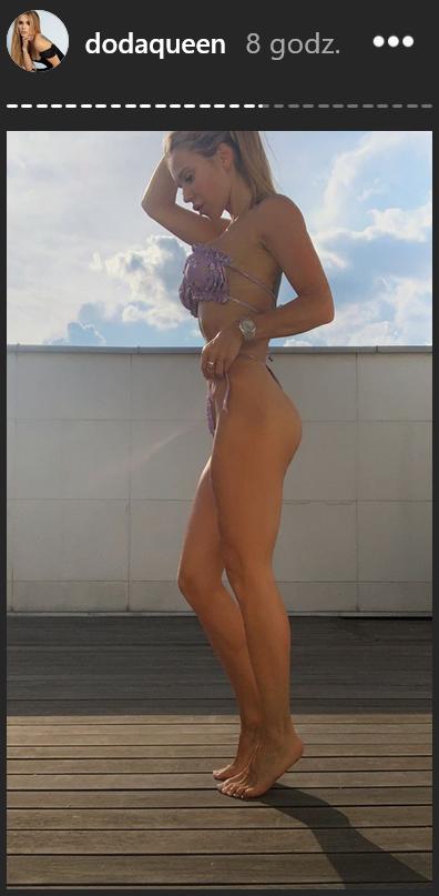 Doda pozuje w skąpym bikini