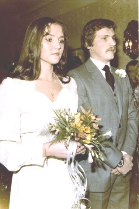 Kwaśniewscy na swoim ślubie, fot. Wikimedia Commons