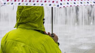 Groźne burze i deszcz. W całym kraju trwa załamanie pogody
