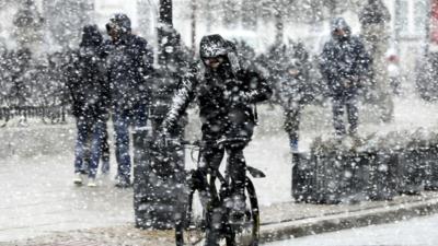 Zima w Europie. Totalne załamanie pogody - zdjęcie ilustracyjne