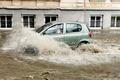 PODTOPIENIA i koszmarne ulewy zaleją Polskę. IMGW ostrzega
