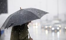 Koszmarna zmiana pogody w weekend. Ulewne deszcze, przejmujący chłód